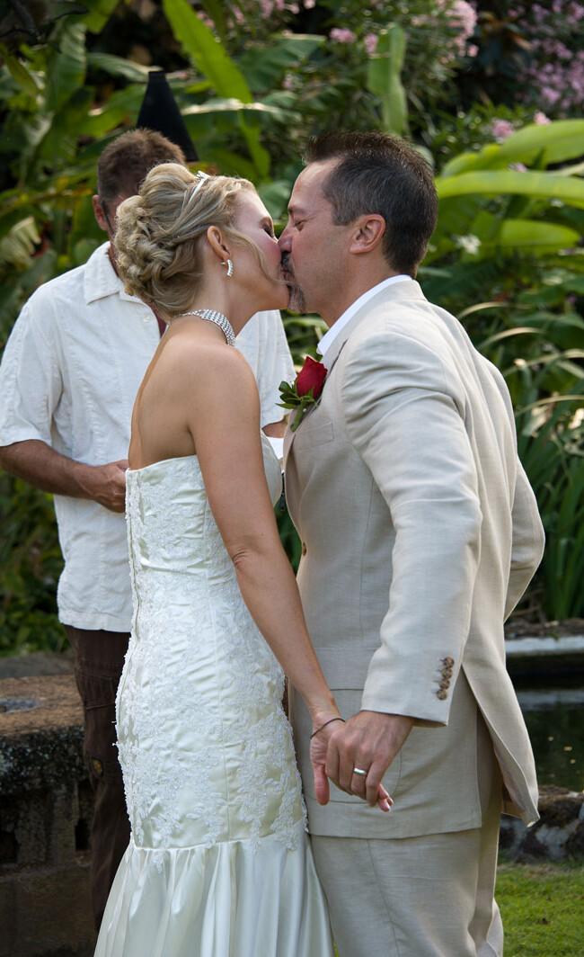 Tamara and Darren: Kauai Wedding 40